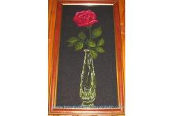 Троянда у вазі